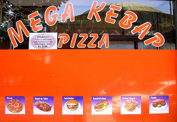 Kebap und Pizza in Lokal - Eine sehr innovative Mischung