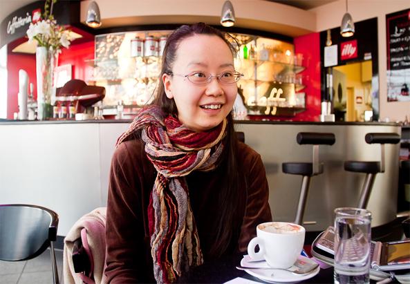 Kazuko Koyanagi in einem Wiener Kaffee - ©Milli Flener