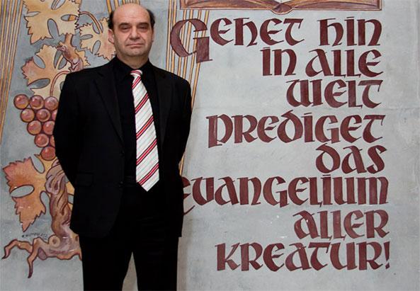 Orlin Dimitrov im Adventhaus Wien. Mitglied des Kirchenrates - ©Mili Flener