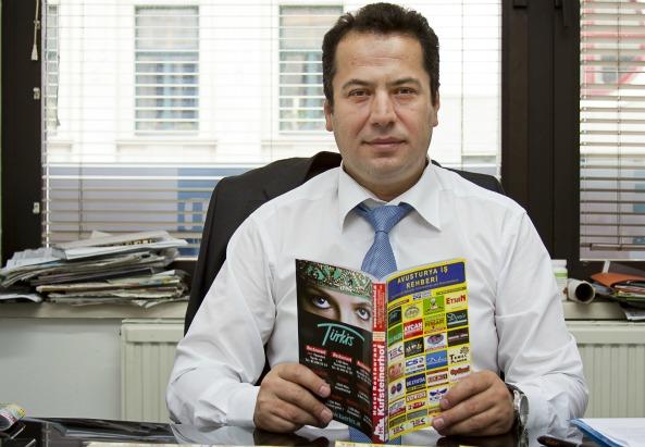 Herausgeber der Gelben Seiten auf Türkisch: Hüseyin Tas - ©Mili Flener