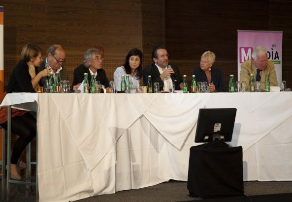 v.l.n.r.: Olivera Stajić (daStandard.at), Alfred Grinschgl (RTR), Reinhard Göweil (Wiener Zeitung), Münire Inam (ORF), Fritz Hausjell (Institut für Publizistik, Uni Wien), Brigitte Handlos (ORF), Franz Ferdinand Wolf (Journalist) - ©M-MEDIA/Siobhan Geets