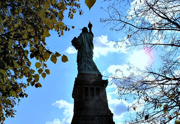 Freiheitsstatue von hinten - ©simon INOU