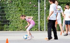 Käfig League: Junge Menschen üben - ©Milagros Martinez-Flener