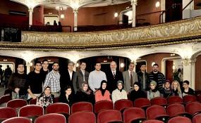 Volkstheater - Jugendliche im Saal