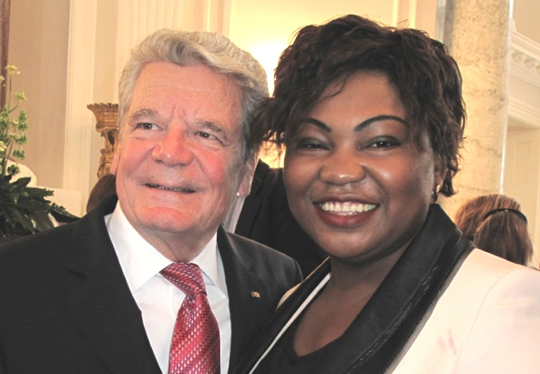 Sylvie Nantcha  und Joachim Gauck - @M-MEDIA/simon INOU