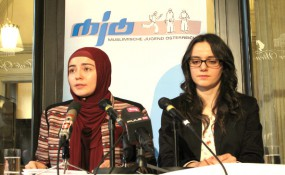 (v.l.r.) Dudu Kücükgol und Jana Ajdinovic (MJÖ) bei der Pressekonferenz #SanacMussWeg
